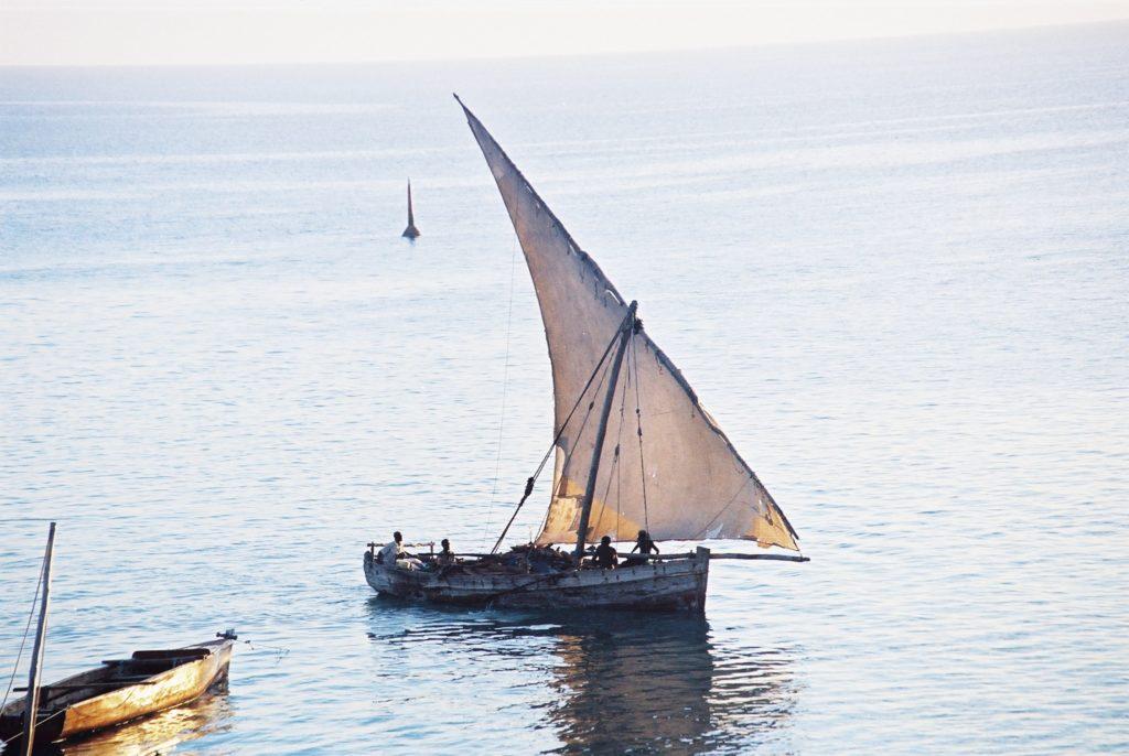 Zanzibar, Tanzzania, Sonnenuntergang. Segelboot