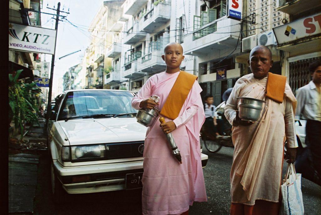 Yangon, Rangun, Myanmar, Birma, Burma, Mönche, Monks, Buddhismus