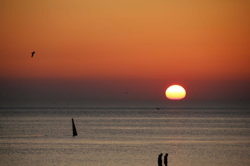 Sonnenuntergang auf Norderney, Jochen Schliemann, Michael Dietz, Nordsee, Reisen Reisen - der Podcast, Ostfriesische Inseln